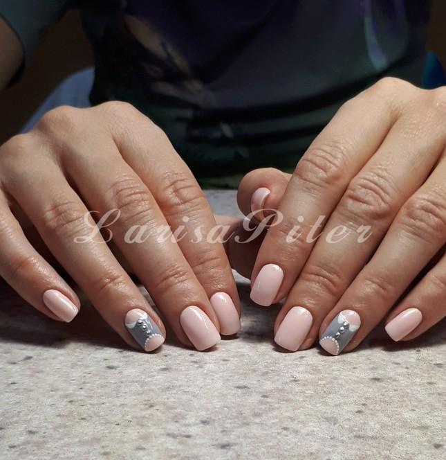 Укрепление ногтей с маникюром и покрытием гель-лаком Санкт-Петербург